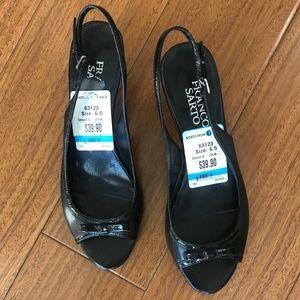 NWT Franco Sarto shiny black open toe kitten heels